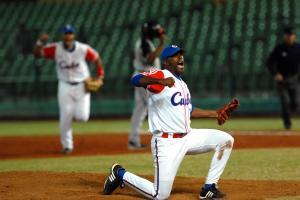 Jonder Martinez, en el encuentro en que Cuba derrotara a Holanda por el título