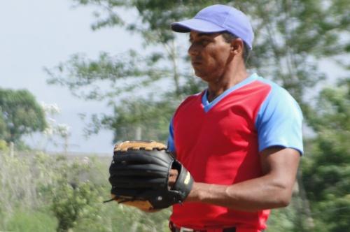 Amaury Félix, lanzador equipo de béisbol de Buey Arriba