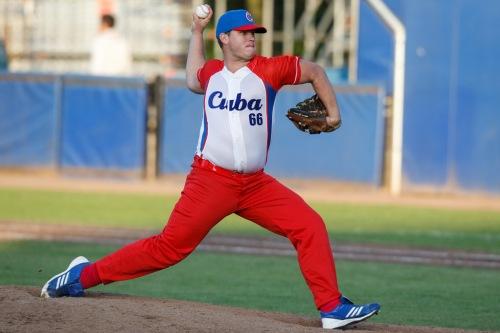Jorge Hernández, lanzador equipo Cuba de béisbol