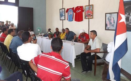 Encuentro peloteros en Manzanillo