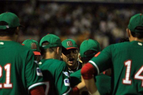 Los aztecas garantizaron el triunfo en cuarta entrada cuando fabricaron un racimo de cuatro carreras  / FOTO IBAF