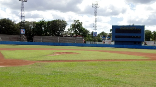 Estadio Mártires de Barbados (1)