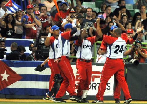 Cepeda impulsa la primera carrera para Cuba