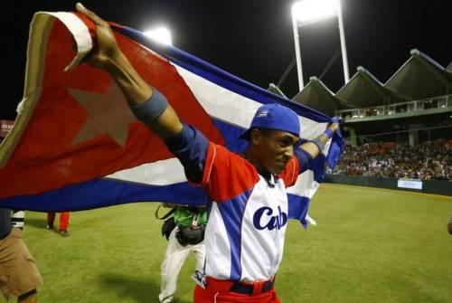 Roel conectó el hit de oro que metió a Cuba en la semifinal