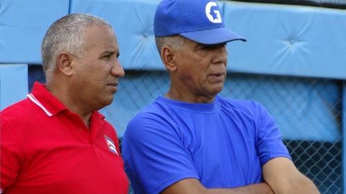 Carlos Martí y Juan Enrique Orozco, comisionado provincial de béisbol