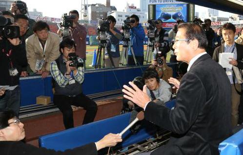 """""""Gourriel no entiende bien lo que es un contrato"""", declaró Shigeru Takada, Gerente General del club nipón Bay Stars"""