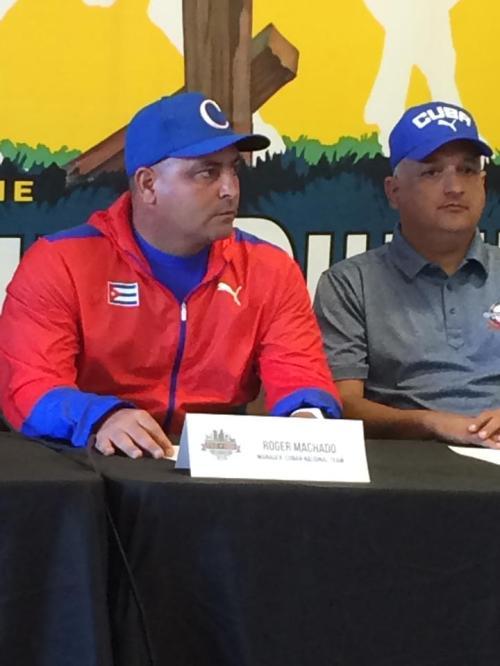 Roger Machado y Heriberto Suárez
