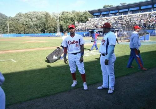 Adrián Moreno, equipo Cuba
