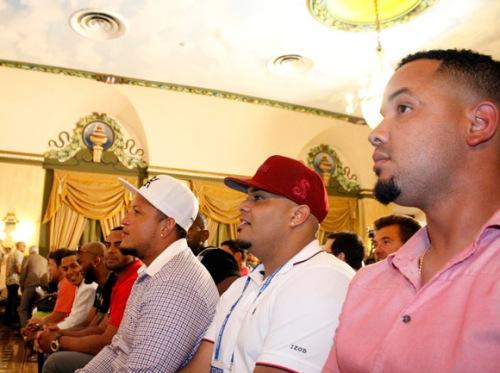 De der a izq, José Dar Abreu, Brayan Peña, Miguel Cabrera, Nelson Cruz, Alexei Ramírez, Jon Jay y Klayton Kershaw